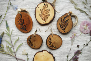 pyrography jewelry