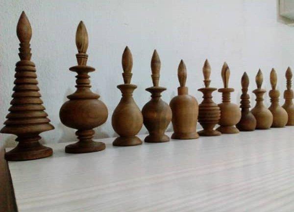 Wooden kohl holder