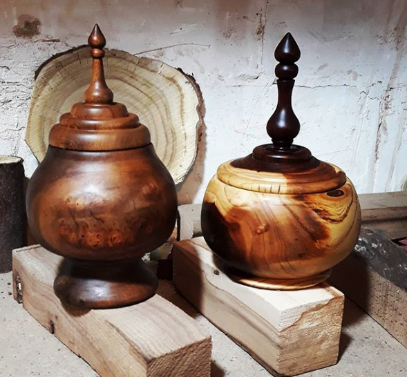 wood lidded boxes
